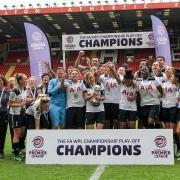 Tottenham Hotspur Ladies Celebrating
